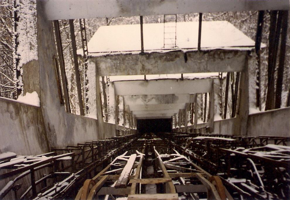 Фотоистория ОТХОДа: мёртвый эскалатор, 1997